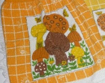 Mod 70s MUSHROOM APRON & Tea TOWEL Gift Set Vintage Groovy 1970s Orange Yellow Kitchen Linens Hippie Decor Kitsch Butterfly Half Apron Gift