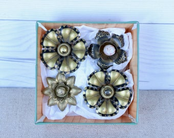 Vintage Mixed Lot of 4 Metal Curtain Tie Back Flower Pins, Vintage Drapery Hold Back Pins, Vintage Metal Flower Push Pins