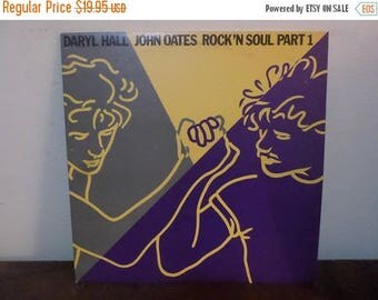 Save 30% Today Vintage 1983 Vinyl LP Record Hall & Oates Rock N Soul Volume One Near Mint Condition 13282