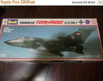Save 25% Now Vintage 1985 Revell Panauia Tornado GR MK1 1/32 Scale Model Kit Complete