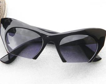 VTG lunettes de soleil retro vintage noir  VTG sunglasses retro cat eyes vintage made in france