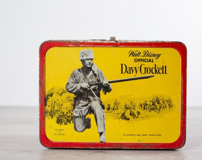 Davy Crockett Lunchbox / 1950's Vintage Walt Disney Fur Trader Cowboy Tin / Manufactured in Toronto, Canada by Kruger