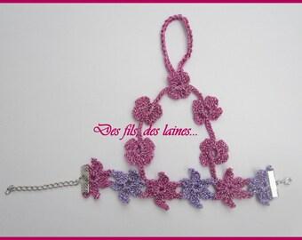 Parure de main au crochet, Bijou de main, bracelet crocheté avec fleurs rose violet, bijoux au crochet, accessoire crochet, fleurs crochet