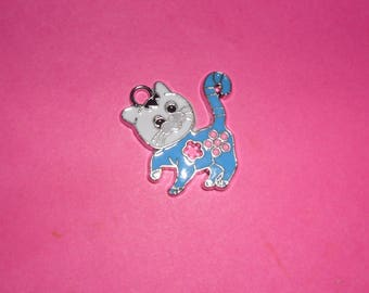 "Charm 1 ""turquoise and white cat"" enamel 25mm"