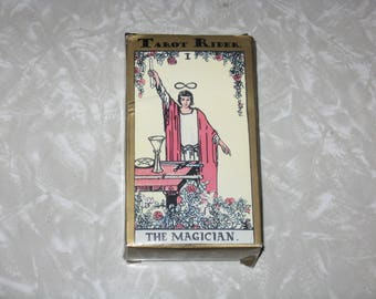 Vintage tarot card deck Spanish guide/instructions
