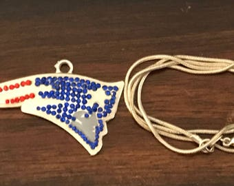 New England patriots rhinestone pendant with snake chain necklace