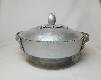 Vintage Rodney Kent Hammered Aluminum Metal Tulip Footed Serving Bowl Flower Handles Lid with Tulip Bulb Handle Wedding Table Centerpiece
