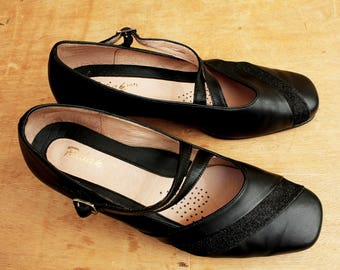 Black Leather shoes, Mary Janes, Vintage Shoes, Elegant Shoes, Black high heels, Office Shoes, Orthopedic shoes, Size 40, Women's Shoes