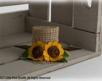 Mini Burlap Top Hat Hair Clip, Ribbon Sculpture, Fall Hair Clip, Thanksgiving Hair clip, Scarecrow Hat