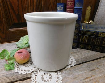 Vintage Hall 3 Quart Stoneware Pottery Crock #302