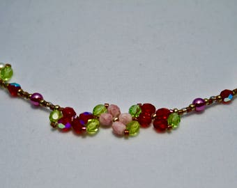 Red Pink and White Flower Glass Bead and Glass Pearl Necklace