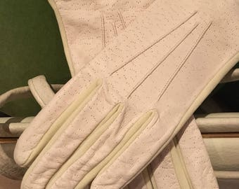Vintage Ladies Cream Leather Backed Smart Costume Gloves -Vintage Debenhams circa 1970s- Size 7 1/2