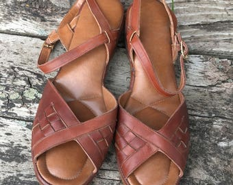 Vintage Leather sandals. Size 7 1/2. Real Leather Huaraches. Vintage 1970's.Brazilian Style Summer Wedges.