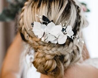 N16 Bridal Veil, wedding hairstyles, Bohos, bridal hairstyles, hair ornaments, comb, bridal headpieces, Fascination, vintage, ivory