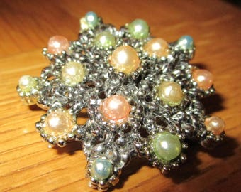 "vintage star shaped silvertone brooch with assorted colour faux pearls 1.5""across"
