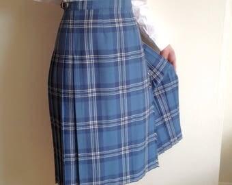 Vtg. Plaid Kilt / Pleated Plaid Skirt / Wool Plaid Skirt / Blue and White Plaid Skirt / Preppy /Women's size Large / Scottish kilt