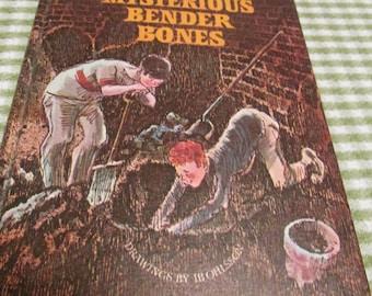 The Mysterious Bender Bones by Susan Meyers Weekly Reader Childrens Book Club Vintage 1970