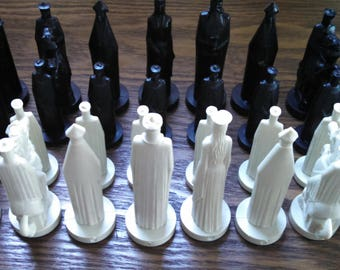 vintage 1962 peter ganine chess gothic style conqueror 32 pieces