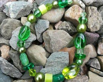 Green mixed bead bracelet