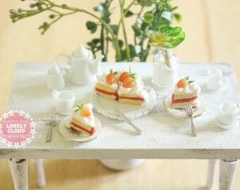 Miniature Strawberry Shortcake (Charms!)