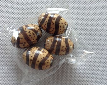 Set of 4 striped Brown and flesh olive beads