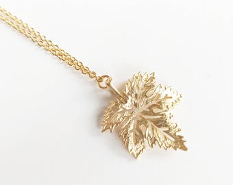Gold Maple Leaf Necklace, Gift For mom, Mother's Day Gift Gold Leaf Necklace, Canadian Jewelry, Valentines Gift For Women, Toronto Canada