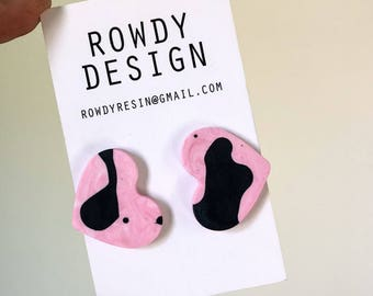 Small Resin Candy Love Heart Stud Earrings - Pink with Black Speckle