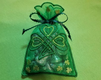 Celtic Shamrock treat bag in the hoop embroidery design ith no machine sewing