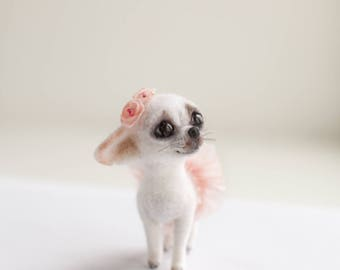 Tiny chihua a ballerina ,made to order 8 days ,8 cm tall,needle felted chihua.