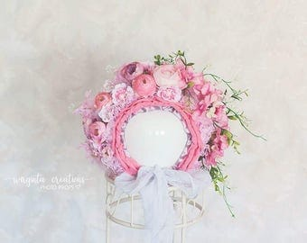 Flower bonnet for 12-24 months old baby. Vintage style. Pink. Only one available. Photo prop. Ready to send