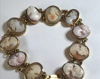 An Antique Georgian Cameo Bracelet