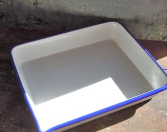 White Rectangular Pan with Blue edge / Good Usable Condition / Enamelware at its best!