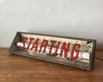 Vintage gas station / auto store lighted sign - Starting