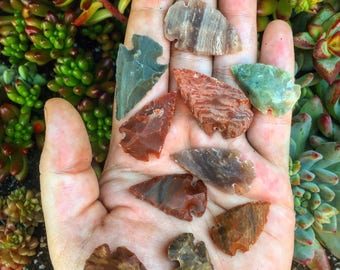 Agate, Jasper Carved Arrowheads: Lot of 5 or 10
