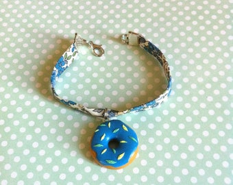 Liberty blue flowers and blue icing donut Bead Bracelet