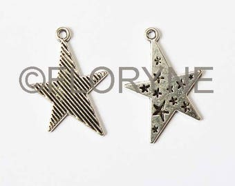 2 charms in Silver: asymmetrical stars