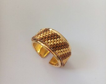 Golden weaving rush peyote ring