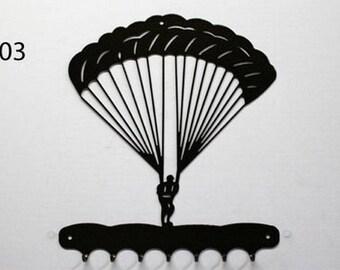 Hangs 26 cm pattern metal keys: paratrooper