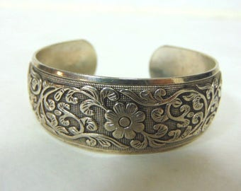 Womens Vintage Chinese .925 Sterling Silver Floral Repousse Cuff Bracelet, 24.9g E3209