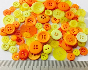 Mix of 100 buttons of various sizes (Ref.030316.6)