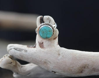 Vintage STERLING SILVER Southwestern TURQUOISE Cable Ring / size (5.5)