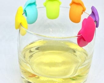 "6 glass markers / tea bag holders ""mouth"""