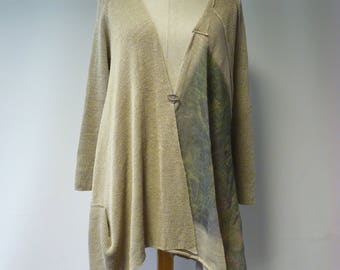 Artsy asymmetrical taupe linen cardigan with print, L size.