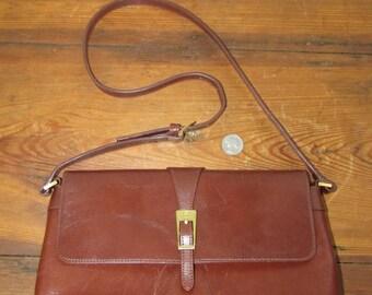 Very nice vintage Etienne Aigner shoulder bag