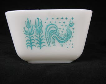 Vintage Pyrex Amish Butterprint 501 Turquoise on White Refrigerator Storage Dish Retro Kitchen