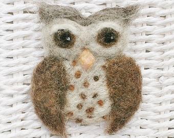 Barn owl brooch - needle felted owl pin - owl jewellery - felt owl brooch