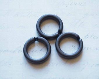 3 black rings rigid acrylic 17mm