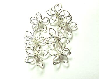 4 CLEAR 15 MM DIAMETER SILVER METAL FLOWERS