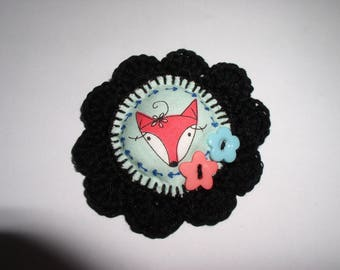 Fox brooch crochet with fabric and decorative buttons