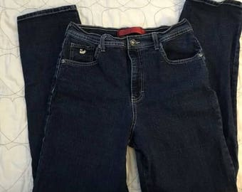 1980's Gloria Vanderbilt high waist mom jeans. Size 6
